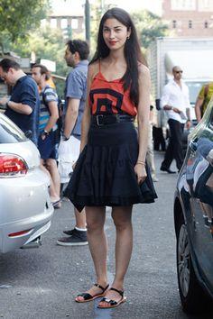 #StreetStyle #FaldaDeVuelo #Sandals #BlackAndRed #NegroyRojo #Milan