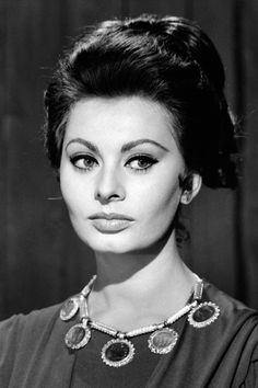"Sophia Loren 1962 (HarpersBazaar 2016-10-19 ""Reliving the Italian icon's most glamorous looks"") 39/48"