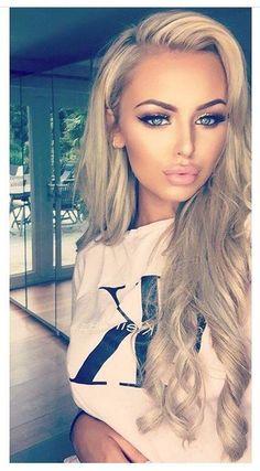 13 idealnych pomysłów na makijaż dla blondynki. Najciekawsze trendy tego sezonu