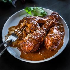 A scintillating blend of dark chocolate, red chilli and aromatic spices weave their magic in this Mexican Chicken Mole recipe that& deliciously tender AND easy enough to prepare for a mid-week dinner. Mexican Chicken Mole, Mexican Mole Sauce, Chicken Mole Recipe, Chicken Recipes, Dark Chocolate Recipes, Slow Cooked Chicken, Mexican Food Recipes, Ethnic Recipes