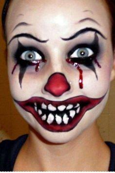 Halloween Series: Killer Clown Makeup Tutorial…This girl does AWESOME Halloween make up! Maquillage Halloween Clown, Clown Halloween, Scary Clown Costume, Scary Clown Makeup, Halloween Makeup Looks, Halloween Office, Halloween Ideas, Vintage Halloween, Halloween Photos