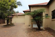Explore this property 3 Bedroom House in Kloofendal Must see and own Property! Private Property, 3 Bedroom House, Pergola, Houses, Outdoor Structures, Explore, Homes, Outdoor Pergola, House