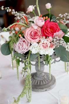 Southern Country Barn Wedding Centerpiece Floral Ideas - Photography by Gema