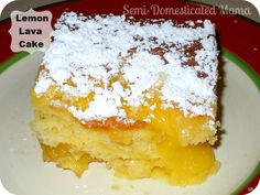 Lemon Lava Cake - If you like lemon, this is the cake for you! Lemon Lava Cake it's super easy! Lemon Desserts, Lemon Recipes, Just Desserts, Sweet Recipes, Delicious Desserts, Lemon Cakes, Yummy Food, Sweet Desserts, Yummy Recipes