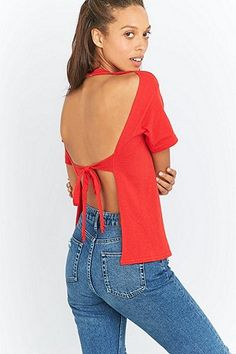 Urban Renewal Vintage Customised Open-Back Red T-shirt Avoimet Selät b98ab9e75b