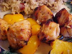 mesa festa: espetinhos de frango com Mel e Gengibre com Arroz de Cogumelos e cranberries