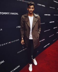 Toni Mahfud at Tommy Hilfiger Red Carpet Toni Mahfud, Blazer Fashion, Mens Fashion, Daily Fashion, Street Fashion, Cute Lightskinned Boys, Boys With Curly Hair, Boy Photography Poses, Men With Street Style