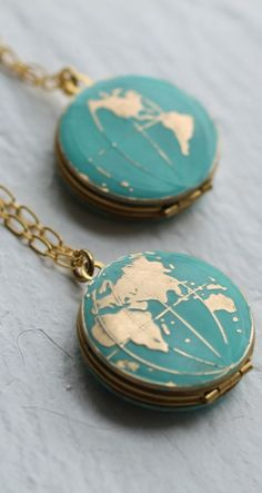 World Map Locket Personalized Globe Necklace Planet Earth Necklace Personalized Necklace Turquoise Locket Traveler Travel Necklace - This beautiful medallion is vintage brass that has been carefully hand enamelled to transform the s - Cute Jewelry, Jewelry Box, Jewelry Necklaces, Gold Jewelry, Jewelry Stores, Vintage Necklaces, Vintage Jewelry, Jewellery Stand, Jewelry Websites