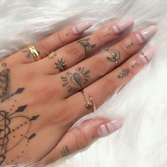 Wedding Nail Art Ideas for Brides In 2019 Choose one of our favorite wedding nails!Wedding nail art designs in one of our favorite wedding nails!Wedding nail art designs in Finger Tattoo Designs, Tiny Finger Tattoos, Small Hand Tattoos, Finger Tats, Tattoos For Fingers, Finger Finger, Hand Tattoos For Girls, Tiny Heart Tattoos, Finger Tattoo For Women