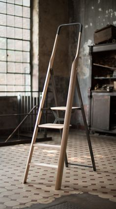 leManoosh collates trends and top notch inspiration for Industrial Designers, Graphic Designers, Architects and all creatives who love Design.
