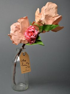 Are These Really Paper Flowers? If I didn't know these flowers were made from paper, I would have thought they were real! These beautiful bouquets, by Frances & Francis, are made with real. Paper Flowers Diy, Paper Roses, Handmade Flowers, Flower Crafts, Fabric Flowers, Diy Paper, Paper Art, Paper Crafts, Papercraft