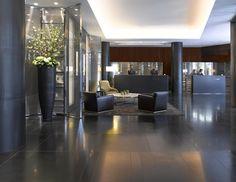 ブルガリ・ホテル・アンド・レジデンシズ・ロンドンのフロント