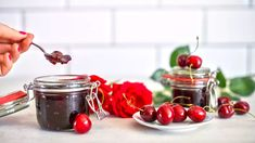 "Třešňová ""marmeláda"": recept na zavařeninu bez chemie Pesto, Cherry, Fruit, Food, Lemon, Essen, Meals, Prunus, Yemek"