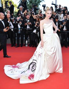Bella Hadid, Elle Fanning, and Marion Cotillard Lead the Pack at the 2017 Cannes Film Festival Photos | W Magazine