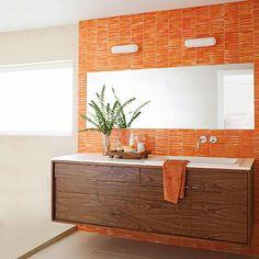 Un SÍ rotundo a los baños de color naranja · Orange bathrooms? YES, please! - Vintage & Chic. Pequeñas historias de decoración · Vintage & Chic. Pequeñas historias de decoración · Blog decoración. Vintage. DIY. Ideas para decorar tu casa