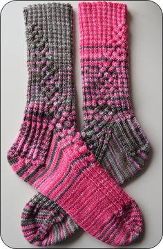 The post Socks Street Gorgeous! 2019 appeared first on Socks Diy. Crochet Socks, Knit Or Crochet, Knitting Socks, Hand Knitting, Knitted Hats, Knit Socks, Free Crochet, Loom Knitting Patterns, Crochet Patterns