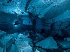 SOUND: http://www.ruspeach.com/en/news/8223/     Ординская пещера - это одна из самых длинных подводных гипсовых пещер России. Это настоящий рай для дайверов. Вода здесь удивительно чистая, прозрачная и очень холодная. Знаменитая пещера находится в Пермском крае на левом берегу реки �