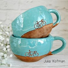 Ceramics bicycle mugs by photo by Dishwishes.ru Ceramics bicycle mugs by photo by Dishwishes. Ceramic Pottery, Ceramic Art, Ceramic Birds, Ceramica Artistica Ideas, Smartphone Fotografie, Kitchen Sink Interior, Cerámica Ideas, Carpet Padding, New Carpet