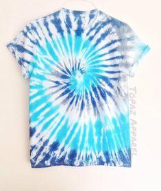 diy tie dye shirts videos tie dye for preschoolers camisa tie dye Tye Dye, Fête Tie Dye, Tye And Dye, Tie Dye Party, How To Tie Dye, Cute Tie Dye Shirts, Blue Tie Dye Shirt, Tie Die Shirts, Dye T Shirt