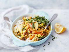 Runsaasti kasviksia ja herkkusieniä sisältävä currykastike tuo mieleen kiinalaisten ravintoloiden annokset. Kastike maistuu sellaisenaan riisin kanssa tai suurustettuna nuudeleiden kera. Curryn makuinen Mifu tuo ateriaan lisää ruokaisuutta.
