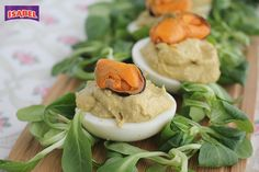 Huevos rellenos mejillones y aguacate Tapas, Canapes, Eggs, Tortillas, Breakfast, Food, Holiday Foods, Appetizers, Cooking Recipes