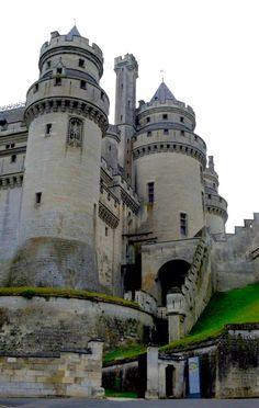 Франция, замок Пьерфон... France, chateau de Pierrefonds...