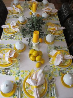 Mellow Yellow, Bright Yellow, Decoration Table, Table Centerpieces, Tablescapes, Yellow Candles, Lemon Kitchen, Beautiful Table Settings, Easter