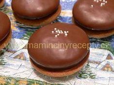 Nadýchané perníčky s povidly - My site Christmas Candy, Christmas Baking, Baking Cupcakes, Cupcake Cakes, Czech Desserts, Czech Recipes, Small Desserts, Sweets Cake, Pie Cake