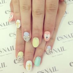 Pastel nails are super trendy this year!