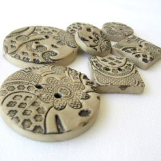 ButtonShop.ca - antique lace clay buttons
