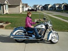 2010 Victory Kingpin Low: This is my new Victory Kingpin Low. I love this bike. I even have cruise control!! I have been riding motorcycles as long as I can remember. My Dad's rule
