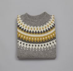 Vardegenser dame grå Crochet Top, Knitwear, Knitting, Design, Women, Paradise, Fashion, Threading, Tricot