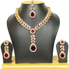 Indian Bollywood Bridal Pink Emerald Wedding And Partywear Necklace Set Bollywood Bridal, Bollywood Jewelry, Indian Bollywood, Bollywood Style, Bollywood Party, Kundan Jewellery Set, Indian Jewelry Sets, Women Jewelry, Fashion Jewelry
