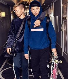Men's Ideas to Dress Up Casually Marcus Y Martinus, World Trends, Celebrity Singers, Gym Workout For Beginners, Boy Hairstyles, Luxury Watches For Men, Mannequin, Urban Fashion, Fashion Watches