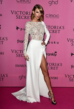 Taylor Swift Victoria Secret Fashion Show 2014. She did that !