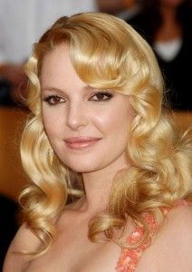 Katherine Heigl Hairstyle, Makeup, Dresses, Shoes and Perfume.