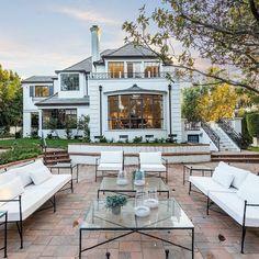Luxury Life, Millionaire Homes, Luxury, Custom Built Homes, Luxury Real Estate, Mansion Interior, Real Estate, White Houses, Mansions Luxury
