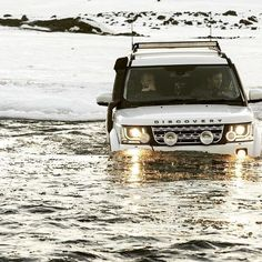 """3,021 Likes, 7 Comments - @landroverphotoalbum on Instagram: """"The Discovery doing what it does, with exceptional ease. By @em_wt #landrover #Discovery…"""""""