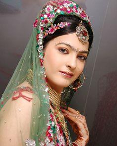 Real bridal makeup by simmi ghai and shival ghai. #BridalMakeup