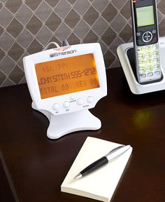 Never again rush to the phone only to find it's a telemarketer. With this Emerson Jumbo Talking Caller ID, you'll know who's calling wherever you are in the hou