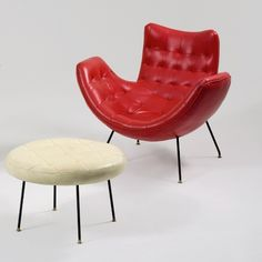 Livro reúne clássicos do design brasileiro de móveis criados entre 1920 a 60