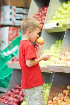 Alimentos básicos, fruta y verdura aliados de una compra sana y económica