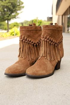 d4a09d14c17 48 Best ♥ Boot Queen ♥ images in 2016 | Shoe boots, Fringe booties ...