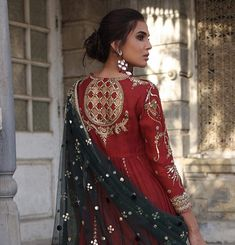 Master crafted in age old techniques using modern day sensibilities. Pakistani Wedding Outfits, Bridal Outfits, Pakistani Dresses, Indian Dresses, Indian Outfits, Pakistani Couture, Indian Couture, Indian Attire, Indian Wear