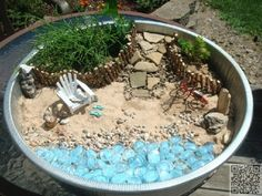 Fairies need beach vacations, too-- so make a beach fairy garden! Fairies need beach vacations, too– so make a beach fairy garden! Fairies need beach vacations, too– so make a beach fairy garden! Beach Fairy Garden, Fairy Garden Houses, Gnome Garden, Fairies Garden, Summer Garden, Pot Jardin, Little Gardens, Garden Terrarium, Succulent Planters