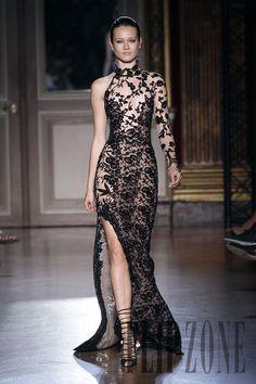 Zuhair Murad Fall-winter 2011-2012 - Couture - http://www.flip-zone.com/fashion/couture-1/fashion-houses/zuhair-murad-2298
