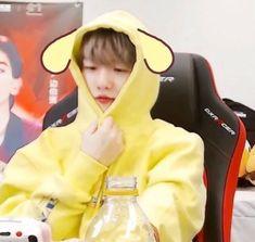 Chanyeol, Tao Exo, Kyungsoo, Chanbaek, Exo Ot12, K Pop, Exo Memes, Cute Icons, Meme Faces