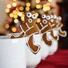 We couldn't find the right gingerbread man cookie cutter so we decided to make our DIY cookie cutter to make funny mug hanger gingerbread man cookies.