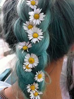 braid with daisy<3