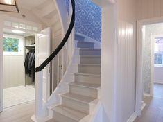 Bilderesultat for trapp Stairs, Home Decor, Ladders, Homemade Home Decor, Stairway, Staircases, Decoration Home, Stairways, Interior Decorating